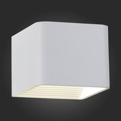 Светильник St Luce SL592.051.01Хай-тек<br><br><br>Цветовая t, К: 4000<br>Тип лампы: LED<br>Ширина, мм: 100<br>MAX мощность ламп, Вт: 6<br>Расстояние от стены, мм: 100<br>Высота, мм: 80<br>Цвет арматуры: белый