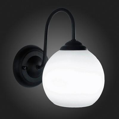 Светильник St Luce SL685.401.01Модерн<br><br><br>Тип товара: Светильник настенный бра<br>Тип лампы: Накаливания / энергосбережения / светодиодная<br>Тип цоколя: E27<br>Количество ламп: 1<br>Ширина, мм: 150<br>MAX мощность ламп, Вт: 60<br>Расстояние от стены, мм: 240<br>Высота, мм: 230<br>Цвет арматуры: черный