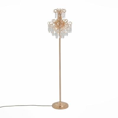 Светильник бра St luce SL846.205.04Ожидается<br>Праздничные роскошные люстры серии Orecchini разработаны дизайнерами для украшения торжественного зала, гостиной, холла дорогого отеля. Их грандиозность подчеркнута совершенством изгибов арматуры, выполненной в двух цветах: блестящий золотой и черный хром, в сочетании с обилием прозрачных или тонированных хрустальных элементов. Эти светильники создают праздник. наполняя пространство вспыхивающими бликами.<br><br>Тип лампы: накаливания / энергосбережения / LED-светодиодная<br>Тип цоколя: E14<br>Цвет арматуры: золотой<br>Количество ламп: 4<br>Диаметр, мм мм: 383<br>Высота, мм: 1700<br>MAX мощность ламп, Вт: 40