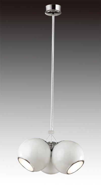 Светильник подвесной St luce SL873.503.03Одиночные<br>Касаемо коллекции модели St luce SL873.503.03 хотелось бы отметить основные моменты: Светильники коллекции Nano - это металлические конструкции,напоминающие молекулы и их сцепление. Блестящиехромированные или белые поверхности созвучны современным тенденциям в дизайне интерьеров. Эти стильные и функциональные светильники станут акцентом помещения в стиле модерн, попарт, хай-тек или минимализм. Основания и плафоны выполнены из металла. Бра и подвесы из четырех плафонов оснащены подвижными механизмами, позволяющими менять направление освещения.<br><br>S освещ. до, м2: 6<br>Крепление: планка<br>Тип лампы: накаливания / энергосбережения / LED-светодиодная<br>Тип цоколя: E27<br>Количество ламп: 3<br>Ширина, мм: 400<br>MAX мощность ламп, Вт: 40<br>Диаметр, мм мм: 400<br>Длина, мм: 400<br>Высота, мм: 200<br>Поверхность арматуры: глянцевая<br>Оттенок (цвет): белый<br>Цвет арматуры: белый