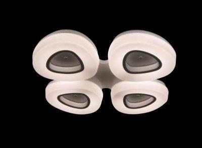 Светильник потолочный St luce SL878.502.04Потолочные<br>Касаемо коллекции модели St luce SL878.502.04 хотелось бы отметить основные моменты: Плафоны светильников серии Regen имеют треугольную форму со сглаженными краями и разделены на два мягких цвета. серый и белый В центре плафона металл цвета никель, вокруг него акрил, декориоующий источник света LED. Эти люстры гармонично впишутся в общий дизайн коридора, кухни, спальни или других уголков жилого помещения Лампы LED в комплекте с изделием<br><br>Установка на натяжной потолок: Да<br>S освещ. до, м2: 10<br>Крепление: Планка<br>Тип товара: Люстра потолочная<br>Скидка, %: 25<br>Цветовая t, К: CW - холодный белый 4000 К<br>Тип лампы: LED - светодиодная<br>Тип цоколя: LED<br>Количество ламп: 4<br>Ширина, мм: 800<br>MAX мощность ламп, Вт: 40<br>Длина, мм: 800<br>Высота, мм: 120<br>Поверхность арматуры: матовая<br>Оттенок (цвет): белый<br>Цвет арматуры: серебристый