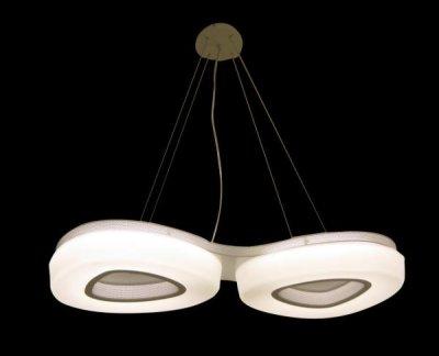 Светильник подвесной St luce SL878.503.02Двойные<br>Касаемо коллекции модели St luce SL878.503.02 хотелось бы отметить основные моменты: Плафоны светильников серии Regen имеют треугольную форму со сглаженными краями и разделены на два мягких цвета. серый и белый В центре плафона металл цвета никель, вокруг него акрил, декориоующий источник света LED. Эти люстры гармонично впишутся в общий дизайн коридора, кухни, спальни или других уголков жилого помещения Лампы LED в комплекте с изделием<br><br>Крепление: планка<br>Тип товара: Люстра подвесная<br>Скидка, %: 26<br>Цветовая t, К: CW - холодный белый 4000 К<br>Тип лампы: LED - светодиодная<br>Тип цоколя: LED<br>Количество ламп: 2<br>Ширина, мм: 380<br>MAX мощность ламп, Вт: 40<br>Длина, мм: 810<br>Высота, мм: 80<br>Поверхность арматуры: матовая<br>Оттенок (цвет): белый<br>Цвет арматуры: коричневый