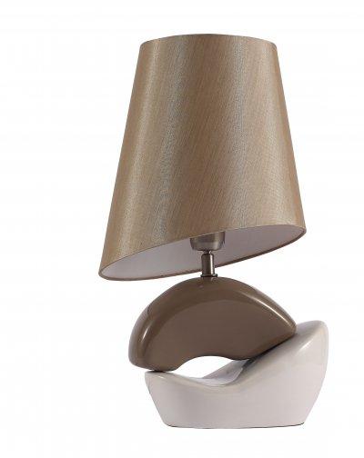 Настольная лампа St luce SL989.804.01 TabellaСовременные<br>Касаемо коллекции модели St luce SL989.804.01 хотелось бы отметить основные моменты: Настольные лампы коллекции Tabella подобраны с целью разнообразить интерьер, привнести в него дополнительные акценты, сделать более уютным. Текстильные абажуры и керамические основания имеют естественные природные оттенки, которые идеально сочетаются с большинством интерьерных стилей.<br><br>Тип лампы: накаливания / энергосбережения / LED-светодиодная<br>Тип цоколя: E27<br>Количество ламп: 1<br>Ширина, мм: 240<br>MAX мощность ламп, Вт: 60<br>Высота, мм: 460<br>Поверхность арматуры: глянцевая<br>Цвет арматуры: коричневый