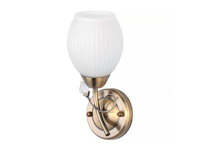 Светильник настенный бра Toplight TL3590B-01AB KatrinaКлассика<br>Бра TOPLIGHT серия Katrina артикул TL3590B-01AB, античная бронза, E14, 1x60 в идеале использовать со светодиодными лампами, которые помимо энергосбережения, помогут сохранить долгий срок службы светильника за счет незначительного нагрева ламп.<br><br>Тип цоколя: E14<br>Количество ламп: 1<br>Ширина, мм: 130<br>MAX мощность ламп, Вт: 60<br>Длина, мм: 250<br>Высота, мм: 110<br>Цвет арматуры: бронзовый