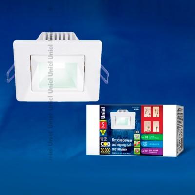 Светильник светодиодный встраиваемый потолочный Uniel ULМ-S61A-5W/WW WHITEКвадратные LED<br>Встраиваемые светильники – популярное осветительное оборудование, которое можно использовать в качестве основного источника или в дополнение к люстре. Они позволяют создать нужную атмосферу атмосферу и привнести в интерьер уют и комфорт.   Интернет-магазин «Светодом» предлагает стильный встраиваемый светильник Uniel Uniel ULМ-S61A-5W/WW WHITE. Данная модель достаточно универсальна, поэтому подойдет практически под любой интерьер. Перед покупкой не забудьте ознакомиться с техническими параметрами, чтобы узнать тип цоколя, площадь освещения и другие важные характеристики.   Приобрести встраиваемый светильник Uniel Uniel ULМ-S61A-5W/WW WHITE в нашем онлайн-магазине Вы можете либо с помощью «Корзины», либо по контактным номерам. Мы развозим заказы по Москве, Екатеринбургу и остальным российским городам.<br><br>Цветовая t, К: 3000<br>Тип лампы: LED<br>Тип цоколя: LED<br>Ширина, мм: 90<br>MAX мощность ламп, Вт: 5<br>Диаметр врезного отверстия, мм: 70 x 70<br>Длина, мм: 90<br>Высота, мм: 48<br>Цвет арматуры: белый