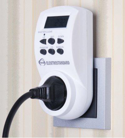 TMH-E-4 Электростандарт Розетка-таймерРозетка с таймером<br>Модель TMH-E-4 оснащена электронным таймером, который позволяет настроить программу включений/выключений на каждый день недели с точностью до минуты.<br><br>Защита от детей<br>Встроенный аккумулятор<br>Функция летнего времени<br>Функция произвольного включения<br>Функция обратного отсчета (max 99 часов)<br><br>Питание: 220 – 240 В, 50 Гц Макс. мощность нагрузки: 3600 Вт Макс. ток нагрузки: 16 А Пылевлагозащищенность: IP20 Рабочая температура: -10° ... +40° С Минимальный временной интервал: 1 мин Количество программ: 10 Каждая программа предусматривает 1 цикл включения/выключения.<br>