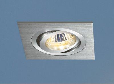 Алюминиевый точечный светильник Elektrostandard 1011/1 CH (хром)Карданные<br>Лампа: MR16 G5.3 max 50 Вт Размер: 93 х 93 мм Высота внутренней части: ? 26 мм Высота внешней части: ? 3 мм Монтажное отверстие: 80 х 80 мм Гарантия: 2 года Светильник имеет поворотный механизм Корпус из алюминия<br>