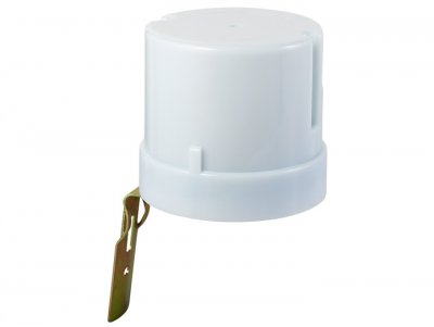 SNS L 07 Электростандарт Датчик освещенностиДатчики движения для включения освещения<br>Датчик освещенности SNS L 07 предназначен для автоматического управления питанием электроприборов, мощность которых может доходить до 3500 Вт. Высокая коммутируемая мощность позволяет подключать в качестве нагрузки несколько светильников. Корпус с высокой степенью влагозащищенности позволяет устанавливать датчик освещенности вне помещений без дополнительных средств защиты. Датчик оснащен регулятором уровня освещенности. Он задает уровень освещенности, при котором включается нагрузка.  Макс. мощность нагрузки: 3500 Вт Диапазон освещенности: 5-50 люкс Регулятор порога срабатывания Допустимая влажность: до 93% RH Пылевлагозащищенность: IP44<br>