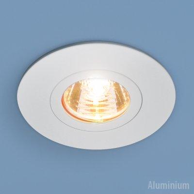 2100 MR16 WH белый Электростандарт Алюминиевый точечный светильникКруглые<br>Светильник выполнен из литого под давлением алюминия. Строгий классический дизайн позволяет светильнику лаконично смотреться в любом интерьере.<br> Лампа: MR16 G5.3 max 50 Вт Диаметр: ? 95 мм Высота внутренней части: ? 18 мм Высота внешней части: ? 3 мм Монтажное отверстие: ? 60 мм Гарантия: 2 года Корпус из алюминия<br><br>Тип цоколя: gu5.3<br>Диаметр, мм мм: 95<br>Диаметр врезного отверстия, мм: 60<br>Высота, мм: 3<br>MAX мощность ламп, Вт: 50