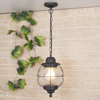Regul H черная медь (арт. GLXT-1475H) Электростандарт Подвесной светильникПодвесные уличные светильники<br>Цвет: черная медь Мощность: 1 x 60 Вт Цоколь: Е27 Питание: 220-240 В / 50 Гц Пылевлагозащита: IP44 Размер: 220 x 220 x 1050 мм<br>Настенный светильник предназначен не только для внутреннего использования, но и для освещения садово-парковых зон вокруг дома, так как высокая степень пылевлагозащищенности позволяет использовать его под открытым небом.<br>Корпус светильника изготовлен из сплава алюминия с кремнием, что делает его легким и прочным, устойчивым к механическим воздействиям. Специальная порошковая окраска корпуса, наносимая в несколько слоев, позволяет добиться эффекта состаренного металла.<br>Для плафона использовано стекло, изготовленное вручную по технологии pulegoso. Пузырьки воздуха внутри стекла придают светильнику особое, неповторимое, очарование!<br><br>Тип лампы: Накаливания / энергосбережения / светодиодная<br>Тип цоколя: E27<br>Количество ламп: 1<br>Диаметр, мм мм: 220<br>Высота, мм: 1050<br>MAX мощность ламп, Вт: 60