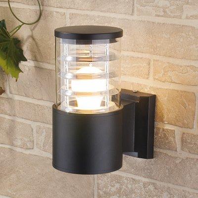 Настенный уличный светильник Elektrostandard Techno 1408 черныйНастенные<br>Мощность: 60 Вт (max) Цоколь: Е27 Питание: 220 В, 50 Гц Степень пылевлагозащищенности: IР54 Температура эксплуатации: –45° ... +65° С Материал корпуса: алюминиевый сплав Материал плафона: стекло Размер: 220 х 175 х 108 мм<br><br>Тип лампы: Накаливания / энергосбережения / светодиодная<br>Тип цоколя: E27<br>Количество ламп: 1<br>MAX мощность ламп, Вт: 60