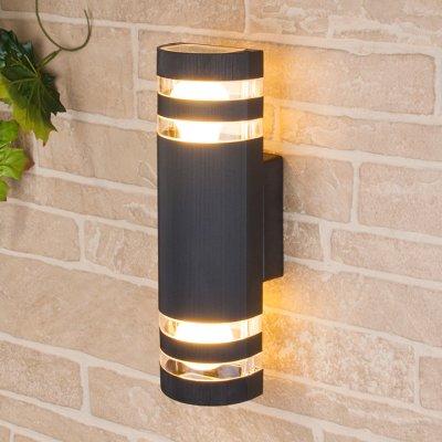 Techno 1443 черный Электростандарт Настенный уличный светильникуличные настенные светильники<br>Мощность: 2 x 60 Вт (max) Цоколь: Е27 Питание: 220 В, 50 Гц Степень пылевлагозащищенности: IР54 Температура эксплуатации: –45° ... +65° С Материал корпуса: алюминиевый сплав Материал плафона: стекло Размер: 310 х 105 х 100 мм<br><br>Тип лампы: Накаливания / энергосбережения / светодиодная<br>Тип цоколя: E27<br>Количество ламп: 2<br>MAX мощность ламп, Вт: 60