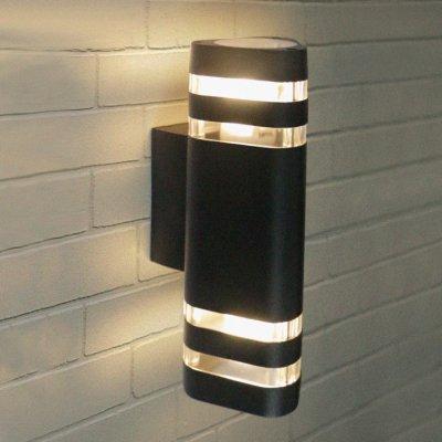 Techno 1483 черный Электростандарт Настенный уличный светильникНастенные<br>Мощность: 2 х 60 Вт (max) Цоколь: Е27 Питание: 220 В, 50 Гц Степень пылевлагозащищенности: IР54 Температура эксплуатации: –45° ... +65° С Материал корпуса: алюминиевый сплав Материал плафона: стекло Размер: 146 х 285 мм<br><br>Тип лампы: Накаливания / энергосбережения / светодиодная<br>Тип цоколя: E27<br>Количество ламп: 2<br>Ширина, мм: 146<br>Высота, мм: 285<br>MAX мощность ламп, Вт: 60
