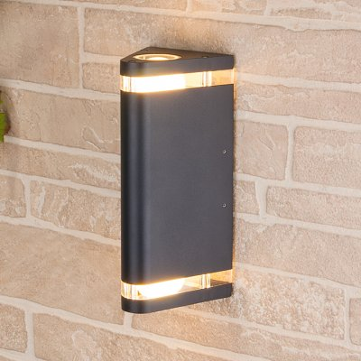 Techno 1484 черный Электростандарт Настенный уличный светильникУличные настенные светильники<br>Мощность: 2 х 60 Вт (max) Цоколь: Е27 Питание: 220 В, 50 Гц Степень пылевлагозащищенности: IР54 Температура эксплуатации: –45° ... +65° С Материал корпуса: алюминиевый сплав Материал плафона: стекло Размер: 240 х 120 х 125 мм<br><br>Тип лампы: Накаливания / энергосбережения / светодиодная<br>Тип цоколя: E27<br>Количество ламп: 2<br>MAX мощность ламп, Вт: 60