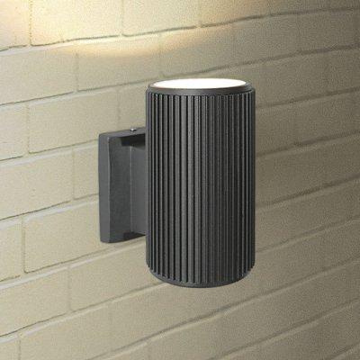 Настенный уличный светильник Elektrostandard Techno 1404 черныйНастенные<br>Мощность: 60 Вт (max) Цоколь: Е27 Питание: 220 В, 50 Гц Степень пылевлагозащищенности: IР54 Температура эксплуатации: –45° ... +65° С Материал корпуса: алюминиевый сплав Материал плафона: стекло Размер: 160 х 155 х 90 мм<br><br>Тип лампы: Накаливания / энергосбережения / светодиодная<br>Тип цоколя: E27<br>Количество ламп: 1<br>MAX мощность ламп, Вт: 60
