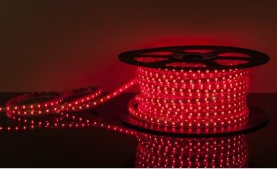LSTR001 220V 4,4W IP65 красный Электростандарт Светодиодная лентаСветодиодная лента влагозащищенная<br>Технические характеристики: Мощность: 4,4 Вт/м Световой поток: 210 лм/м Питание: DC 220 В Длина: 100 м Кратность резки: 1 метр Сечение: 9 х 6 мм Количество светодиодов: 60 шт./м Пылевлагозащищенность: IР65 Рабочая температура: –25°… +60°C<br>Комплектация: сетевой шнур - 1 шт., заглушка - 1 шт., крепеж - 200 шт., инструкция - 5 шт.<br>