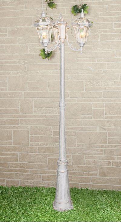 Capella F/3 белое золото Электростандарт Светильник на столбеУличные фонари с несколькими плафонами<br>Мощность: 3x60 Вт Размер: 550 х 550 х 2170 мм  Светильник предназначен для освещения садово-парковых зон, а также внутреннего и внешнего освещения зданий. Степень пылевлагозащиты IР44 позволяет устанавливать светильник под открытым небом. Корпус светильника изготовлен из алюминиевого сплава, рассеиватель выполнен из закаленного стекла. Покрытие светильника устойчиво к воздействию окружающей среды и надежно защищает его от коррозии.<br><br>Тип лампы: Накаливания / энергосбережения / светодиодная<br>Тип цоколя: E27<br>Количество ламп: 3<br>MAX мощность ламп, Вт: 60