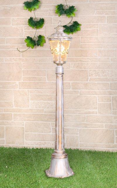 Diadema F (GLYF-8046F) белое золото Электростандарт Светильник на столбеОдиночные столбы<br>Мощность лампы: 60 Вт Цоколь: E27 Питание: 220 - 240 В / 50 Гц Пылевлагозащищенность: IP 44 Размер: 190 х 190 х 1070 мм Гарантия 12 мес.<br><br>Тип лампы: Накаливания / энергосбережения / светодиодная<br>Тип цоколя: E27<br>Количество ламп: 1<br>MAX мощность ламп, Вт: 60