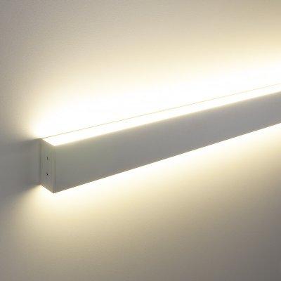 ССП накладной двусторонний 35W 2500Lm 128см Электростандарт Профильный светодиодный светильникНакладные профильные светильники<br>Представляем Вашему вниманию новую серию встраиваемых светодиодных светильников. Светильники применяются для светового оформления бытовых и общественных помещений. Строгий стиль функциональность светильников позволяют использовать их в интерьерах, выполненных в различных стилях: от классических до ультрасовременных. Корпус светильника выполнен из алюминиевого анодированного профиля, который не подвержен коррозии и стоек к механическим воздействиям. В качестве источника света используются модули с ультраяркими SMD светодиодами, отличительными особенностями которых являются: долгий срок службы (до 100 000 ч), высокая энергоэффективность, индекс цветопередачи 82%. Равномерное распределение света обеспечивает гибкий Итальянский акриловый рассеиватель  Altuglas PMMA Matt. Обращаем внимание на то, что наша компания, кроме стандартных решений, предлагает услуги по изготовлению светильников по Вашим индивидуальным проектам. Размер профиля: 80 х 35 х 1280 мм Мощность: 35 Вт Световой поток: 2500 лм Угол свечения: 93° КПД трансформатора: 0,9 Питание: 220 В, 50 Гц Комплектация: провод сетевой: 1 м, комплект крепления.<br>