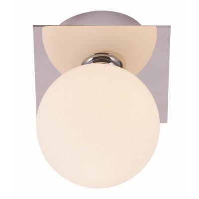 Светильник Globo 5663-1 CardiffКвадратные<br>Настенно потолочный светильник Globo (Глобо) 5663-1 подходит как для установки в вертикальном положении - на стены, так и для установки в горизонтальном - на потолок. Для установки настенно потолочных светильников на натяжной потолок необходимо использовать светодиодные лампы LED, которые экономнее ламп Ильича (накаливания) в 10 раз, выделяют мало тепла и не дадут расплавиться Вашему потолку.<br><br>S освещ. до, м2: 2<br>Тип лампы: галогенная / LED-светодиодная<br>Тип цоколя: G9<br>Количество ламп: 1<br>Ширина, мм: 110<br>MAX мощность ламп, Вт: 33<br>Длина, мм: 110<br>Расстояние от стены, мм: 110<br>Высота, мм: 140<br>Цвет арматуры: серебристый