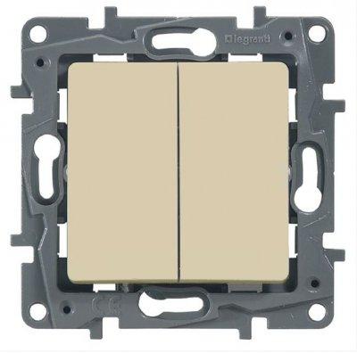 Legrand Etika Крем Выключатель 2-х клавишный, 10А, винт. клем. 672302Legrand Etika<br><br><br>Оттенок (цвет): Бежевый