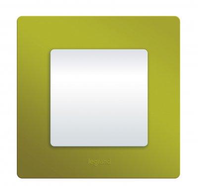 Legrand Etika Зел. Папоротник Рамка 3-ая 672543Legrand Etika<br><br><br>Оттенок (цвет): зеленый