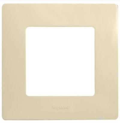 Купить Legrand Etika Крем влагозащищенная рамка 1-ая IP44 672560, Франция