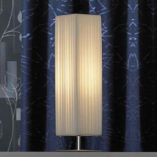 Светильник настольный Lussole lsq-1504-01Белые<br>Настольный белый светильник Lussole lsq-1504-01 станет настоящей «находкой» для ценителей «уютных» вещей, придающих комнате особую, «домашнюю» обстановку, наполненную очарованием и красотой! Плафон выполнен из «гофрированной» ткани, которая, пропуская через себя лучи, создает рассеянное, приятное для зрения освещение. Светильник можно использовать не только в качестве подсветки, но и в качестве ночника, поставив его на прикроватную тумбочку или комод. Рекомендуем Вам дополнительно использовать подвесной светильник и напольный торшер из этой же серии, чтобы интерьер выглядел по-дизайнерски профессиональным и гармоничным.<br><br>S освещ. до, м2: 4<br>Тип лампы: накал-я - энергосбер-я<br>Тип цоколя: E27<br>Количество ламп: 1<br>Ширина, мм: 150<br>MAX мощность ламп, Вт: 60<br>Длина, мм: 150<br>Высота, мм: 580<br>Цвет арматуры: серебристый
