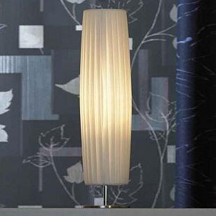 Светильник настольный Lussole Lsq-1514-01С абажуром<br>Уют в доме складывается из многих составляющих, и световое оформление интерьера играет в этом одну из главных ролей. Выбрав в качестве подсветки настольную лампу Lussole Lsq-1514-01, Вы внесете в комнату спокойную и «теплую» атмосферу, которая всегда будет создавать радостное настроение и положительную энергетику! Элегантная «вытянутая» конструкция, слегка расширяющаяся в середине и сужающаяся по краям, эффектно подчеркнута плафоном из белой «гофрированной» ткани. Приятное, «мягкое» освещение не напрягает зрение, позволяя плодотворно работать за ноутбуком или читать в течение долгого времени. Рекомендуем Вам использовать лампу совместно с другими светильниками из этой серии, чтобы комната выглядела совершенной, гармоничной и красивой.<br><br>S освещ. до, м2: 4<br>Тип лампы: накал-я - энергосбер-я<br>Тип цоколя: E27<br>Количество ламп: 1<br>MAX мощность ламп, Вт: 60<br>Диаметр, мм мм: 140<br>Высота, мм: 580<br>Цвет арматуры: серебристый