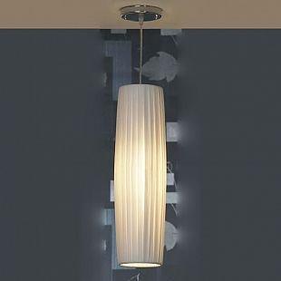 Светильник Lussole lsq-1516-01Одиночные<br>Подвесной светильник Lussole lsq-1516-01 в стиле «модерн» наполнит Ваш дом уютом и создаст в нем особую, «семейную» атмосферу, в которой Вы сможете насладиться покоем после тяжелого трудового дня! Длинный плафон выполнен из белой «гофрированной» ткани, что выглядит очень эффектно и оригинально. Освещение получается «мягким» и комфортным для зрения. Наиболее «выигрышно» светильник будет функционировать в качестве дополнительной подсветки небольшой по площади (до 4 кв.м.) зоны в комнате, например, над кроватью в спальне, журнальным столиком и т.п. Рекомендуем Вам использовать все осветительные приборы из этой серии, включая торшер и настольную лампу, чтобы сделать пространство «цельным», гармоничным и совершенным.<br><br>Установка на натяжной потолок: Да<br>S освещ. до, м2: 4<br>Крепление: Планка<br>Тип лампы: накаливания / энергосбережения / LED-светодиодная<br>Тип цоколя: E27<br>Количество ламп: 1<br>MAX мощность ламп, Вт: 60<br>Диаметр, мм мм: 140<br>Высота, мм: 1700<br>Цвет арматуры: серебристый