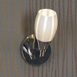 Светильник Lussole lsx-6701-01Одиночные<br><br><br>S освещ. до, м2: 3<br>Тип товара: Светильник поворотный спот<br>Скидка, %: 22<br>Тип лампы: накал-я - энергосбер-я<br>Тип цоколя: E14<br>Количество ламп: 1<br>Ширина, мм: 110<br>MAX мощность ламп, Вт: 40<br>Длина, мм: 180<br>Высота, мм: 200<br>Цвет арматуры: серебристый