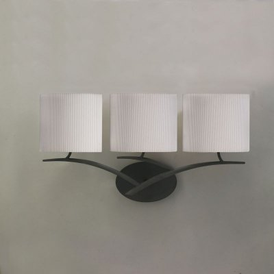 Люстра Mantra 1156 EVEсовременные бра модерн<br><br><br>S освещ. до, м2: 4<br>Тип лампы: накаливания / энергосбережения / LED-светодиодная<br>Тип цоколя: E27<br>Цвет арматуры: черный<br>Количество ламп: 3<br>Ширина, мм: 140<br>Размеры: W 600 H 315 Выступ<br>Длина, мм: 600<br>Высота, мм: 310<br>Оттенок (цвет): кремовый<br>MAX мощность ламп, Вт: 20