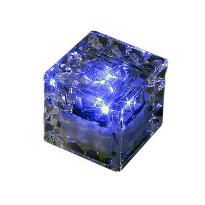 Novotech TILE 357238 Уличный светильникГрунтовые<br>Декоративный уличный светодиодный светильник модели Novotech 357238 из серии TILE отличается следующим качеством: Преимущества темперированного стекла: Механическая прочность Стойкость к перепадам температур Безопасность: в отличии от обычного стекла темперированное, разбиваясь, образует осколки с тупыми нережущими гранями, не способными причинить вреда Экономичность (КПД порядка 90%), отсутствие токсичных элементов (не наносят вред здоровью, не требуют специальной утилизации),  отсутствие ультрафиолетового излучения, пожаробезопасность  (не нагреваются),  морозостойкость, ударопрочность и устойчивость к вибрациям. Срок службы светодиодов - 30000 часов. Время автономной работы - 6 часов. Диапазон рабочих температур от -25 до +75 градусов Цельсия.<br><br>Тип лампы: LED - светодиодная<br>Ширина, мм: 50<br>Длина, мм: 50<br>Высота, мм: 50
