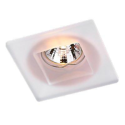 Novotech GLASS 369212 Встраиваемый светильникКвадратные<br>Декоративный встраиваемый неповоротный светильник модели Novotech 369212 из серии GLASS отличается следующим качеством: Основание светильника выполнено из штампованной стали. Преимуществами стали являются устойчивость к химическим, атмосферным и механическим воздействиям и эстетичный внешний вид. Благодаря зеркальной полировке,  обеспечивается высокая стойкость металла к коррозии. А штамповочный способ обработки стали делает возможным изготовление сложных изделий с большей точностью. Декоративный  плафон произведен из стекла. Стекло экологично,  не тускнеет и не меняет своего оттенка со временем, не покрывается некрасивым налетом и легко выдерживает перепады температур.<br><br>S освещ. до, м2: 3<br>Тип лампы: галогенная<br>Тип цоколя: GU5.3 (MR16)<br>Количество ламп: 1<br>Ширина, мм: 100<br>MAX мощность ламп, Вт: 50<br>Диаметр врезного отверстия, мм: 90<br>Длина, мм: 100<br>Высота, мм: 50<br>Цвет арматуры: белый