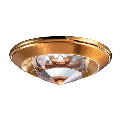 Novotech GLAM 369428 Встраиваемый светильникКруглые<br>Декоративный встраиваемый неповоротный светильник модели Novotech 369428 из серии GLAM отличается следующим качеством: Светильник сделан из алюминиевого литья. Это сплав, основными  достоинствами которого являются — устойчивость к практически всем видам негативного воздействия окружающей среды, коррозии, небольшой вес, по сравнению с другими видами металла и   экологическая безопасность материала. Декоративный плафон произведён из хрусталя. Он обладает высоким показателем плотности, прозрачности и блеска. Благодаря содержанию свинца (не менее 30%) и определённому подбору углов, образуемых гранями, изделия из хрусталя отличаются необыкновенно яркой, многоцветной игрой света, чарующей магией красоты, совершенства и роскоши.<br><br>S освещ. до, м2: 3<br>Тип лампы: галогенная<br>Тип цоколя: GU5.3 (MR16)<br>Количество ламп: 1<br>MAX мощность ламп, Вт: 50<br>Диаметр, мм мм: 80<br>Диаметр врезного отверстия, мм: 65<br>Высота, мм: 40<br>Цвет арматуры: Золотой