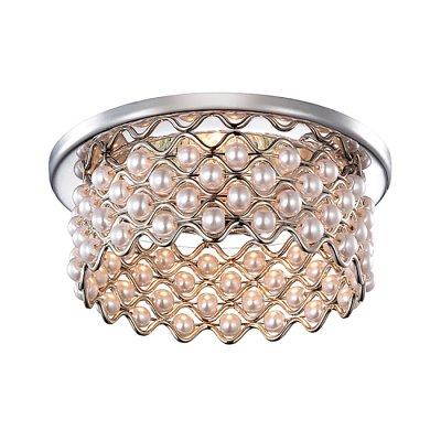 Novotech PEARL 369889 Встраиваемый светильникВстраиваемые хрустальные светильники<br>Декоративный встраиваемый светильник модели Novotech 369889 из серии PEARL отличается следующим качеством: Светильник сделан из металла. Это популярный и востребованный материал благодаря ряду качеств. К ним относится: повышенная прочность, износостойкость и долговечность.  Декоративная отделка - искусственный жемчуг. Он отличается ярким блеском и идеальной формой бусин, по своей красоте не уступая настоящему и при электрическом освещении  дает красивый эффект преломления света.<br><br>S освещ. до, м2: 3<br>Тип лампы: галогенная<br>Тип цоколя: GU5.3 (MR16)<br>Цвет арматуры: серебристый<br>Количество ламп: 1<br>Диаметр, мм мм: 85<br>Диаметр врезного отверстия, мм: 60<br>MAX мощность ламп, Вт: 50