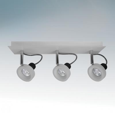 Lightstar VARIETA 210139 СветильникТройные<br>Светильники-споты – это оригинальные изделия с современным дизайном. Они позволяют не ограничивать свою фантазию при выборе освещения для интерьера. Такие модели обеспечивают достаточно качественный свет. Благодаря компактным размерам Вы можете использовать несколько спотов для одного помещения.  Интернет-магазин «Светодом» предлагает необычный светильник-спот Lightstar 210139 по привлекательной цене. Эта модель станет отличным дополнением к люстре, выполненной в том же стиле. Перед оформлением заказа изучите характеристики изделия.  Купить светильник-спот Lightstar 210139 в нашем онлайн-магазине Вы можете либо с помощью формы на сайте, либо по указанным выше телефонам. Обратите внимание, что мы предлагаем доставку не только по Москве и Екатеринбургу, но и всем остальным российским городам.<br><br>Тип лампы: галогенная/LED<br>Тип цоколя: GU10<br>Количество ламп: 3<br>Ширина, мм: 170<br>MAX мощность ламп, Вт: 50<br>Длина, мм: 450<br>Высота, мм: 100<br>Цвет арматуры: серебристый
