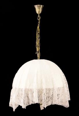 Citilux Базель CL407134 Люстра подвеснаяПодвесные<br>Изысканное кружевное творение создано европейскими дизайнерами и мастерами своего дела. И оно теперь перед Вашим взором. Это подвесная люстра Citilux CL407134 серии Базель, исполненная в благородном классическом стиле. Перед Вами не просто украшение, которое не страшится выйти из моды, а целое великолепное произведение искусных профессионалов. Восхитительное кружево нежного пастельного оттенка полностью покрывает всю конструкцию бронзового свечения. Визуально воссоздан силуэт прекрасного шатра, покрытого узорчатым навесом, грациозно ниспадающим по всему периметру. Люстра Citilux CL407134 – это совершенное воплощение исключительной эстетики без единой лишней детали!<br><br>Установка на натяжной потолок: Да<br>S освещ. до, м2: 12<br>Крепление: Крюк<br>Тип лампы: накаливания / энергосбережения / LED-светодиодная<br>Тип цоколя: E14<br>Количество ламп: 3<br>MAX мощность ламп, Вт: 60<br>Диаметр, мм мм: 510<br>Размеры: Диаметр 51см, Высота 50-135см<br>Высота, мм: 500-1350<br>Поверхность арматуры: матовый<br>Цвет арматуры: бронзовый